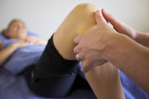 Osteopathy knee treatment for tendonitis, patella tracking dysfunction, meniscus tears and ITB pain.
